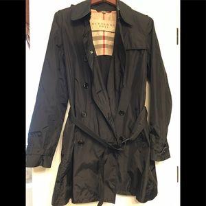 Authentic  24 Hours sale Burberry rain coats 🌺🌺